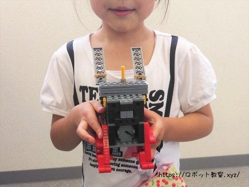 自作ロボットと子ども