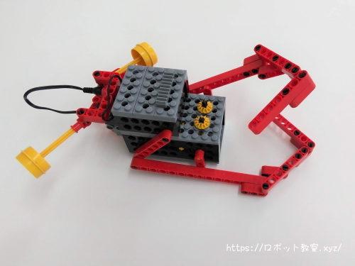 小学1年生が組み立てたロボット