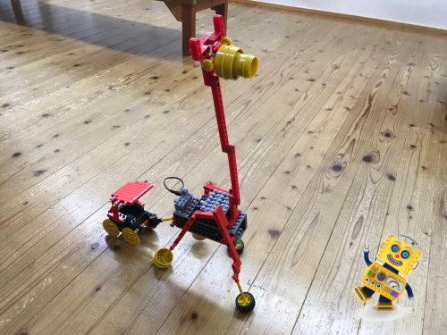 小学1年生が理科の重心を意識して組み立てたロボット