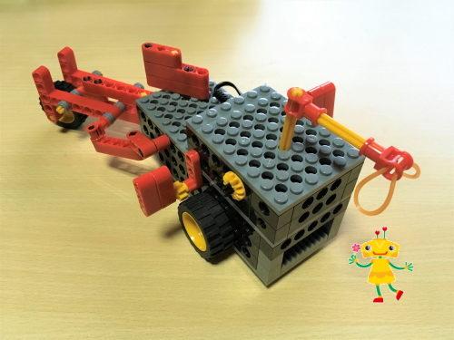 小学1年生が製作したロボット