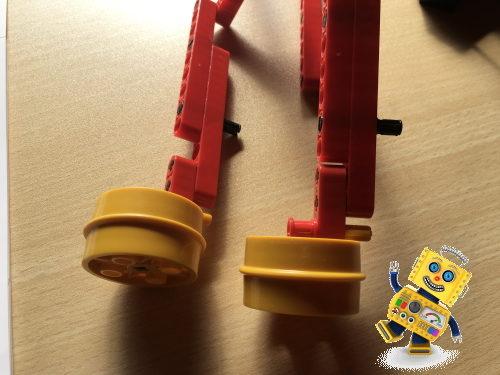 ロボットのブロックパーツの組み立て