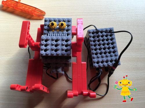 ヒューマンアカデミーロボットで小学生がロボットを作る