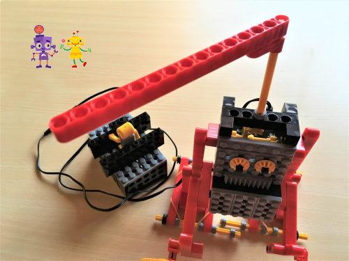 小学1年生が試行錯誤して製作したロボット