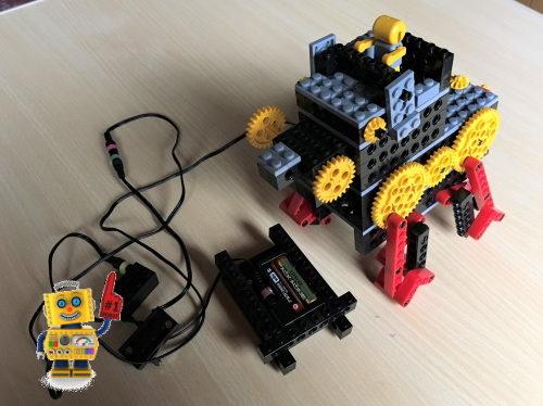 ヒューマンアカデミーロボット教室で小学1年生が製作したロボット